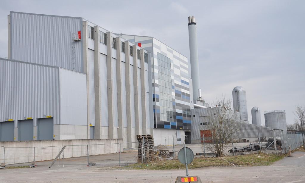 Lidköping tar sopor sjövägen från England