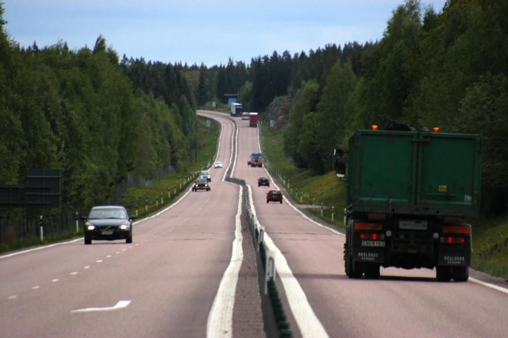 Utsläppen från transporter ökar återigen i Sverige, efter flera års nedgång. Foto Thorsten Alm/Trafikverket