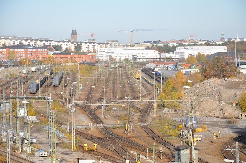 Årsta kombiterminal ligger bra till för distribution till Stockholm, 7 km från city.  Foto Lena Sonne