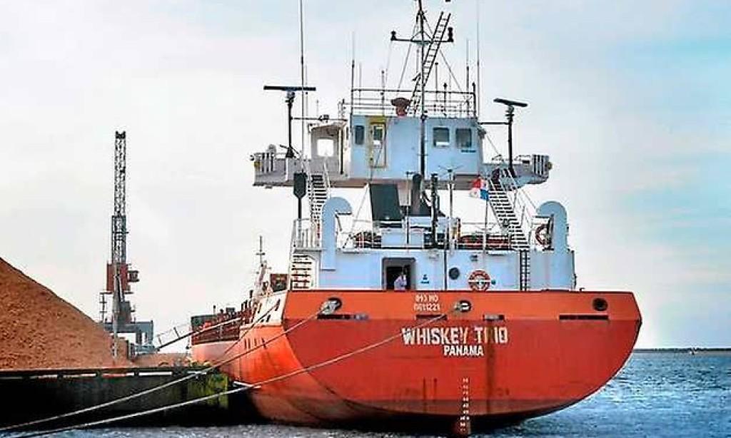 Fartyg med vapenlast kvarhålls i Varbergs hamn