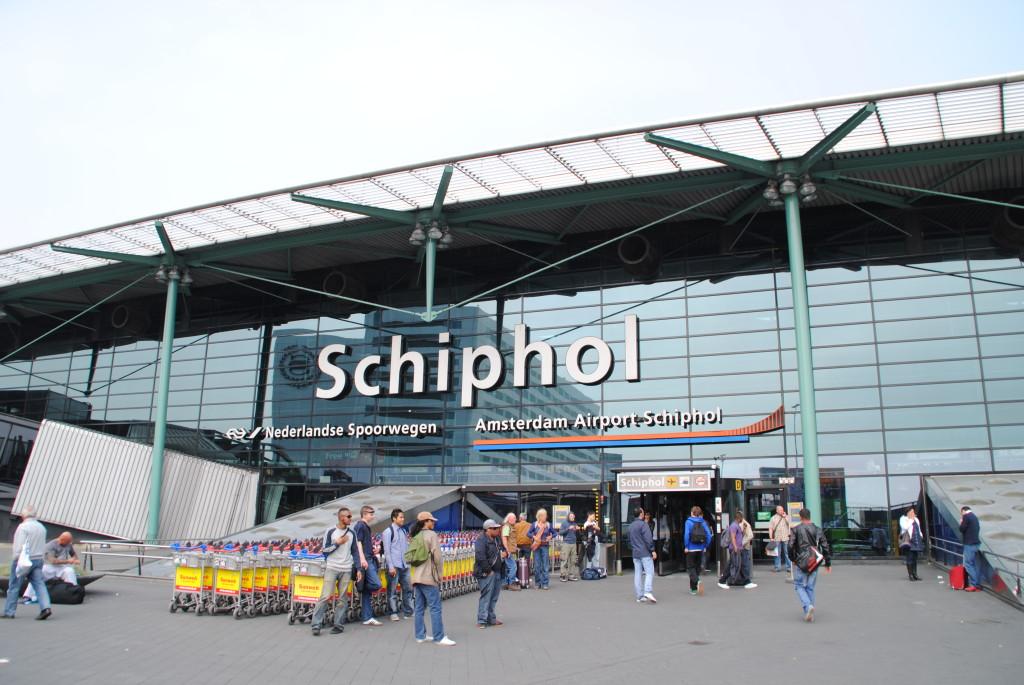 Flygfraktsnav som Schiphol och Frankfurt tappar i betydelse som logistiklägen, slår rapporten fast.