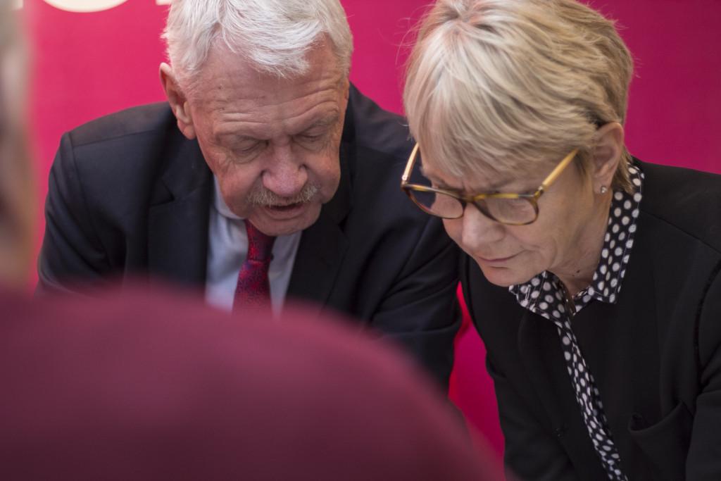HG Wessberg och Catharina Håkansson Boman har regeringens uppdrag att leda Sverigeförhandlingen om höghastighetsbanan. Foto Sverigeförhandlingen