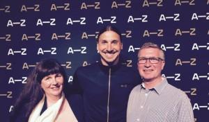 Sonats Pernilla Johansson och Kjell Rundqvist med Zlatan Ibrahimovic vid gårdagens lansering.