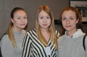 Nästa generation logistiker från logistiklinjen på Yrkeshögskolan i Märsta deltog på konferensen, fr v Louise Malmström, Sofie Malmström och Josefin Ceder. Foto: Lena Sonne.