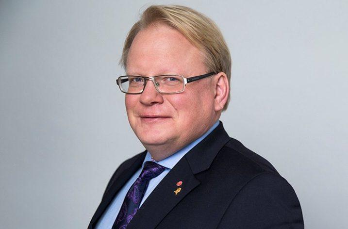 Hultqvist vill se över lagen